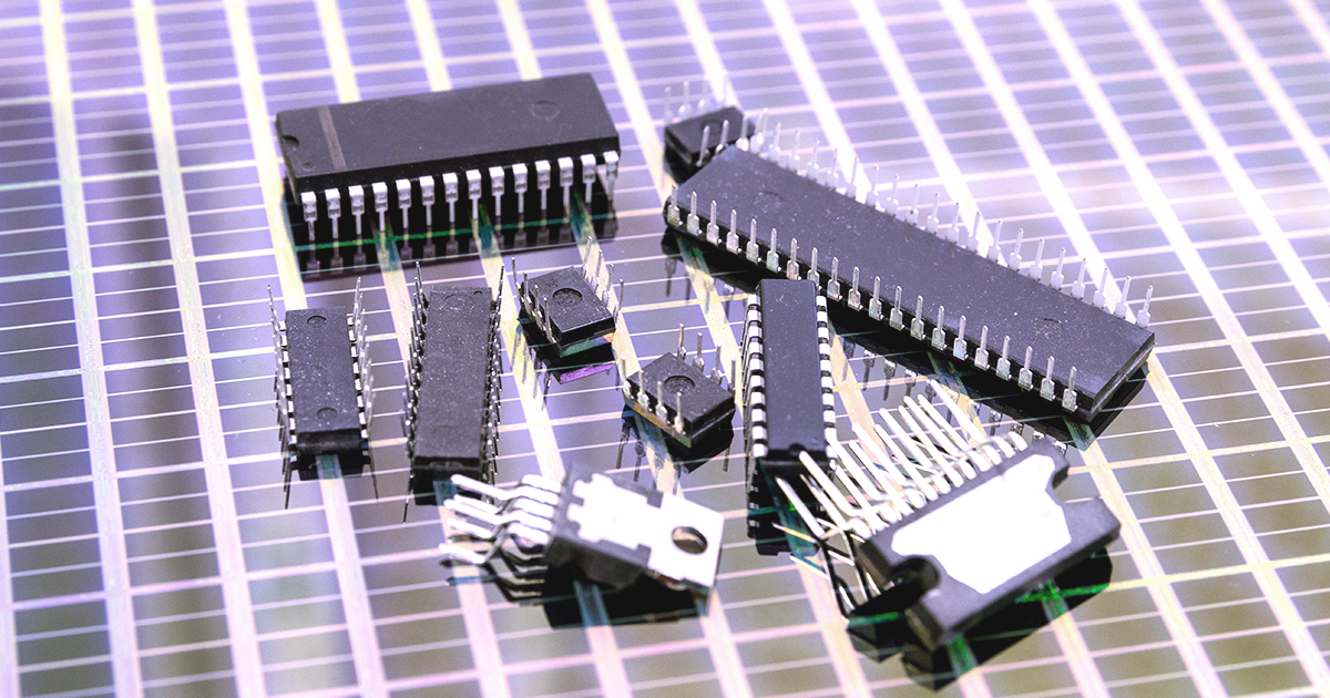 A pile of 11 analog integrated circuits | Sourcengine