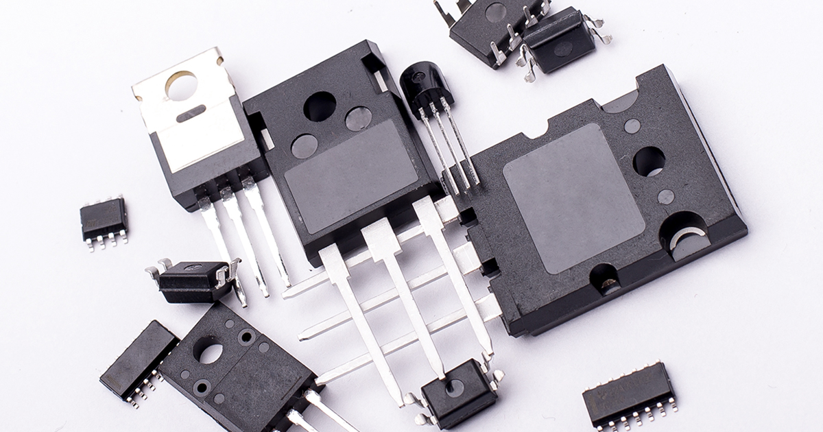 Eleven transistors of varying sizes in a pile | Sourcengine